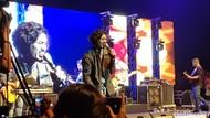 Meriahnya Konser Intim Sheila On 7 di Yogyakarta