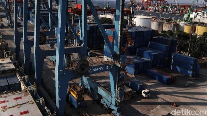 Setelah beberapa bulan mengalami defisit alias tekor, pada Mei 2019 posisi neraca perdagangan berbalik menjadi surplus.