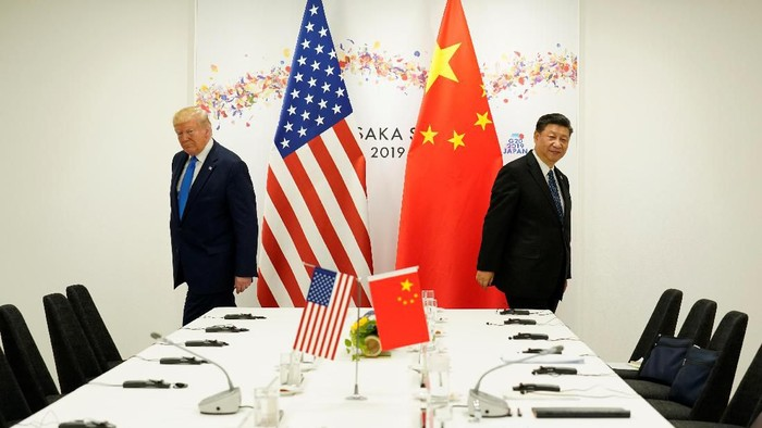U.S. President Donald Trump attends a bilateral meeting with Chinas President Xi Jinping during the G20 leaders summit in Osaka, Japan, June 29, 2019. REUTERS/Kevin Lamarque