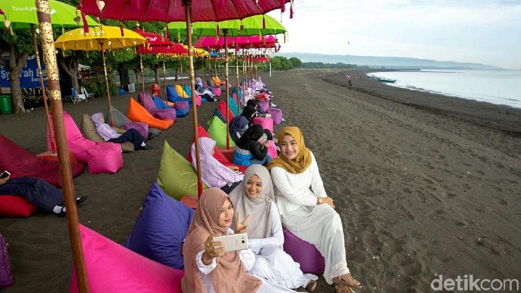 Viral di Medsos, Pantai Syariah Banyuwangi Contoh Arabisasi Pariwisata?