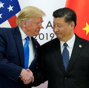 Serang Balik China, Trump Beri Tarif Baru Mulai September dan Oktober