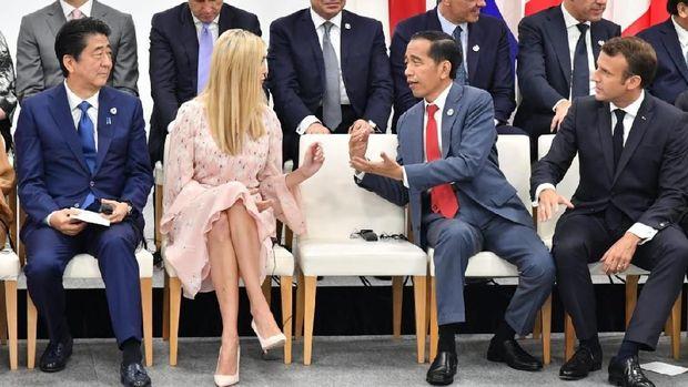 Jokowi berbincang dengan Ivanka Trump di KTT G20 /