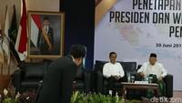Anggota Direktorat Hukum BPN Prabowo, Habiburokhman, mewakili Prabowo Subianto saat menerima keputusan KPU tentang penetapan presiden dan wapres terpilih.