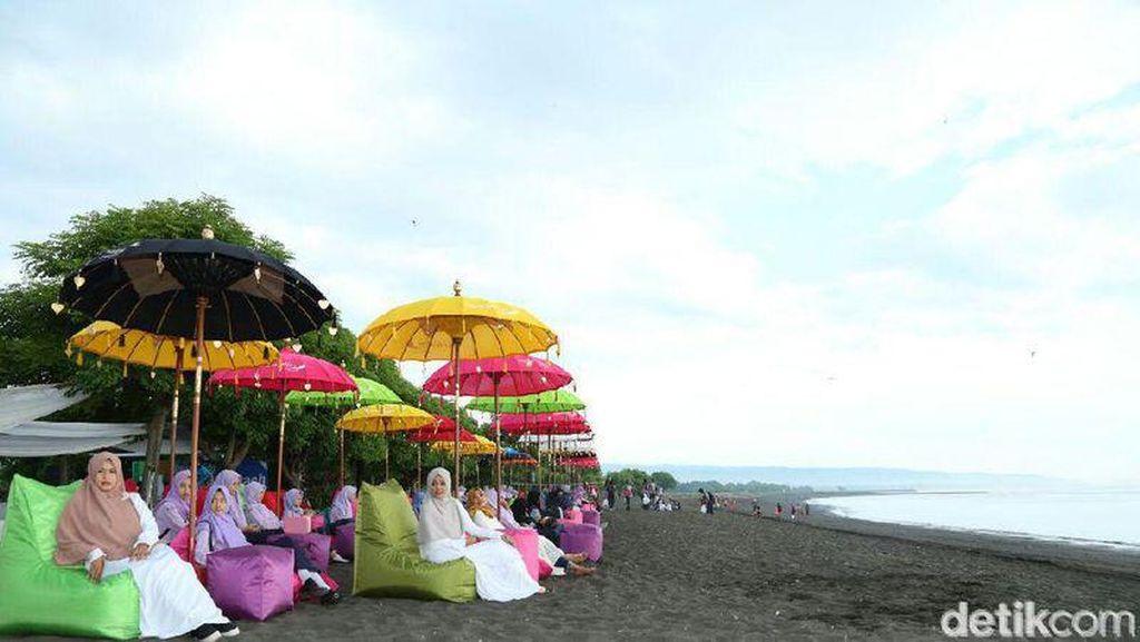 Foto: Pantai Syariah di Banyuwangi yang Jadi Kontroversi