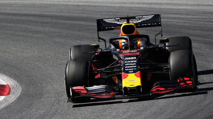 SPIELBERG, AUSTRIA - JUNE 30: Max Verstappen of the Netherlands driving the (33) Aston Martin Red Bull Racing RB15 on track during the F1 Grand Prix of Austria at Red Bull Ring on June 30, 2019 in Spielberg, Austria. (Photo by Charles Coates/Getty Images)
