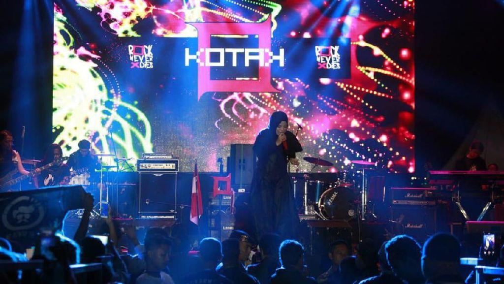 Crossborder Music Festival Atambua Ramai Diserbu Pengunjung