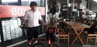 Ketua komunitas Brompton Owner Group Indonesia (BOGI) Baron Martanegara.