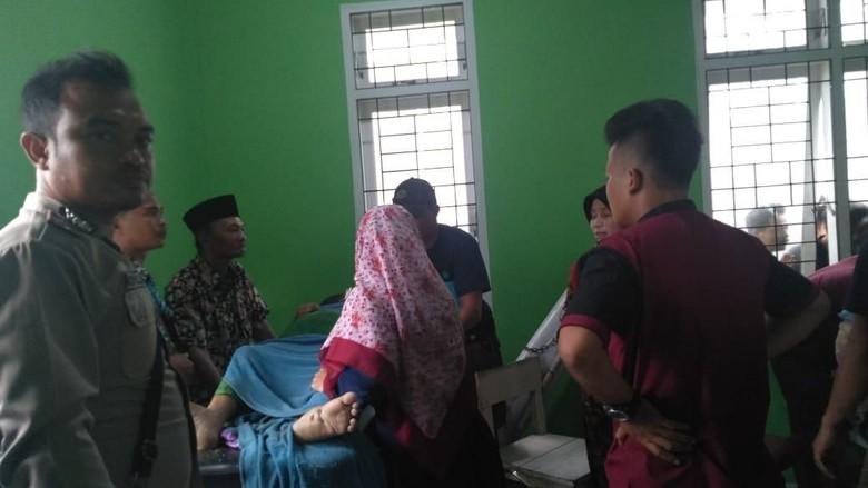 Kapal Pengangkut Keluarga Pengantin Dihantam Badai di Nias Barat, 1 Tewas