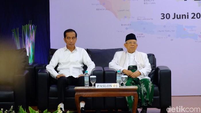 Jokowi-Maruf di penetapan presiden-wapres terpilih 2019. (Andhika Prasetia/detikcom)