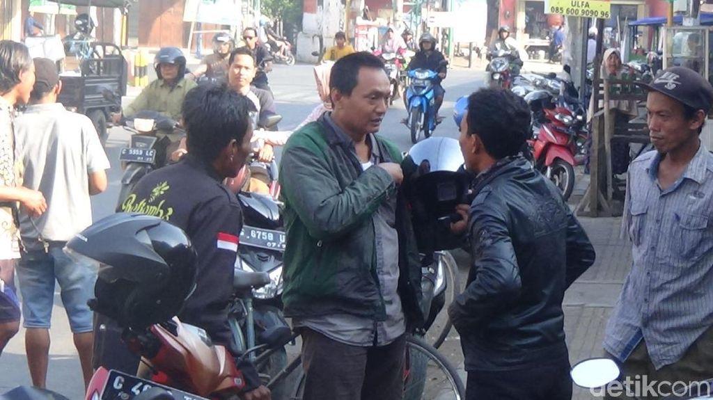 Tradisi Nyerep, Juragan Batik Cari Pekerja Pengganti di Jalanan