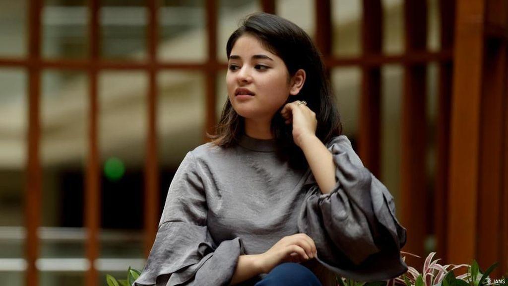 Simalakama Zaira Wasim, Aktris Bollywood yang Hijrah Demi Agama
