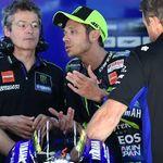 Susah Bersaing di MotoGP 2019, Valentino Rossi Tak Mau Bongkar Tim