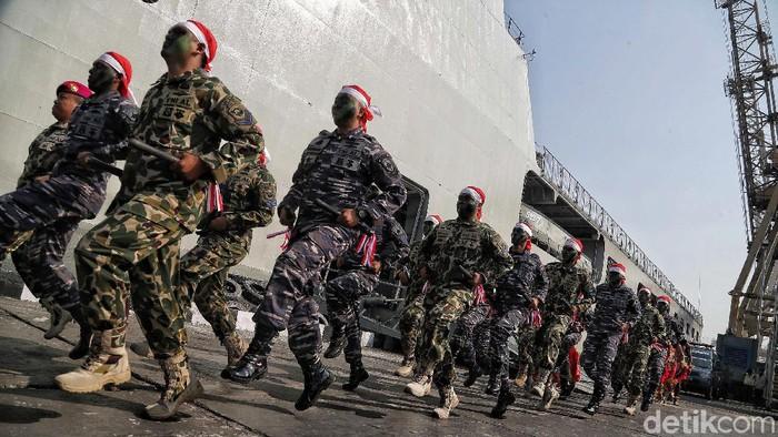 Perayaan HUT ke-58 Kolinlamil dimeriahkan dengan beragam atraksi pasukan TNI AL seperti defile pasukan, aksi taekwondo, dan tarian tradisional.