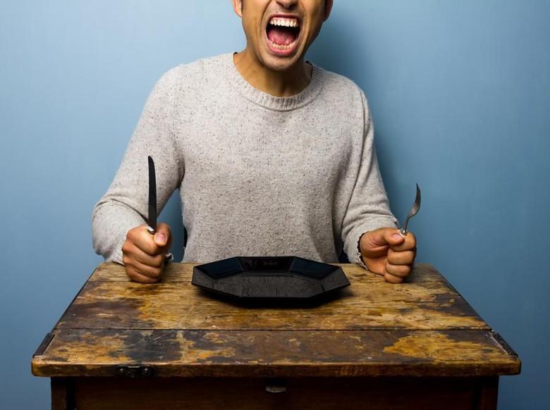 Kalap Makan Karena Emosi Bisa Diatasi dengan 7 Trik Ini