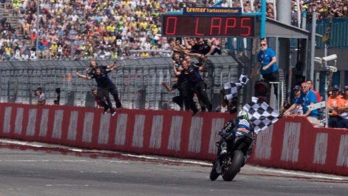 Tekanan Maverick Vinales hilang setelah memenangi MotoGP Belanda. (Foto: Mirco Lazzari/Getty Images)