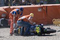 Valentino Rossi saat terjatuh di Assen, Belanda.