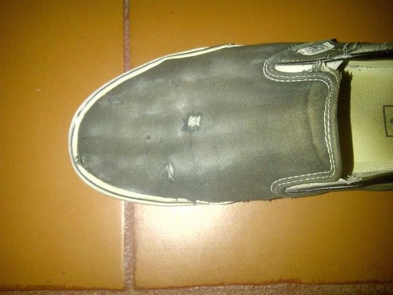 Sepatu yang sering digunakan. Foto: Demilked