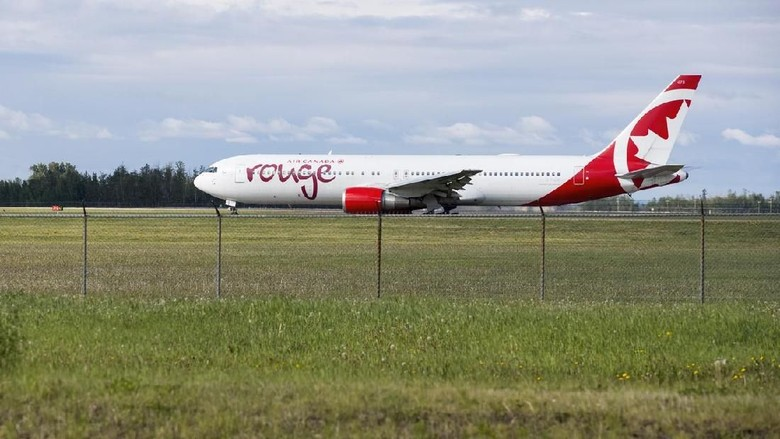 Air Canada Rouge (iStock)