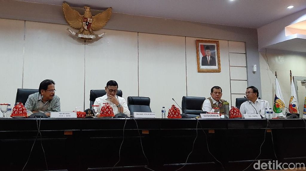 Rakor Pascagempa Palu, Wiranto Ingatkan Bahaya di Zona Merah