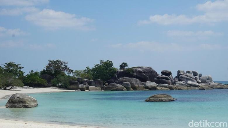 Pantai Tanjung Tinggi di Belitung (Shinta/detikcom)