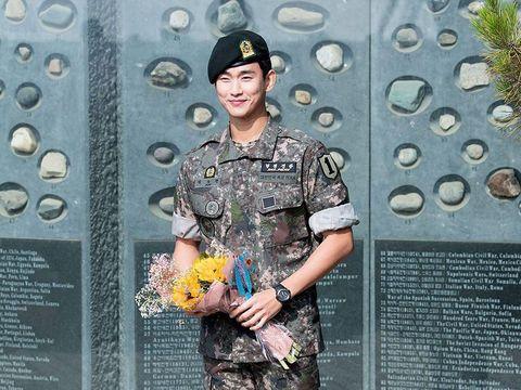 Kim Soo Hyun setelah bebas dari wajib militer