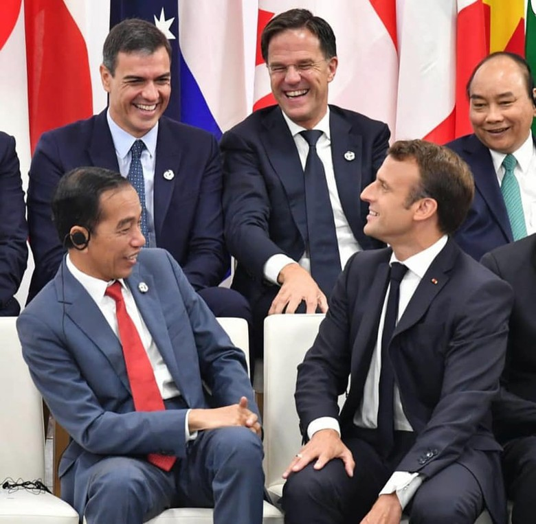 Luhut Cerita soal Bahasa Inggris Jokowi yang Medok Jawa di KTT G20