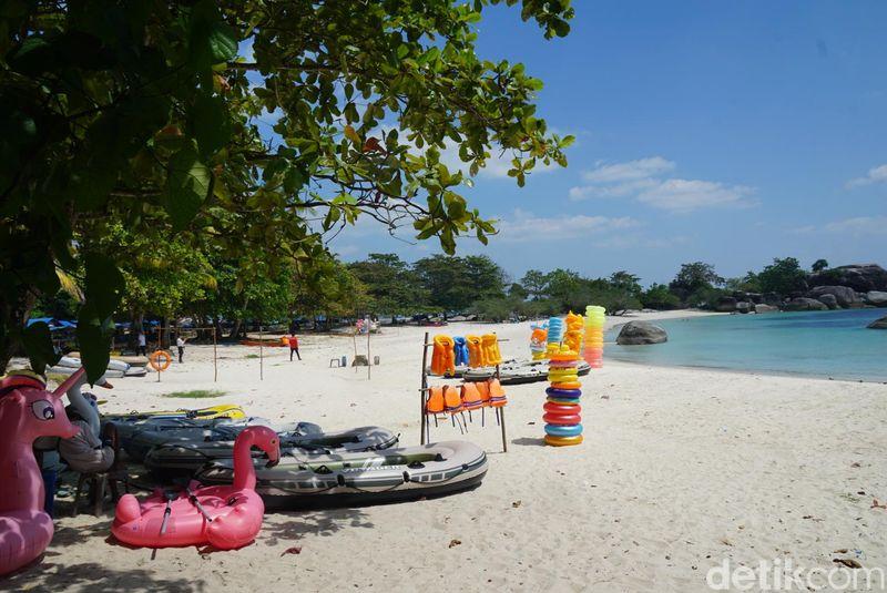 Dengan nilai kualitas udara 51 dari AirVisual, Belitung bisa dijadikan pilihan untuk berlibur dengan pantai-pantai indahnya (Shinta Angriyana/detikcom)