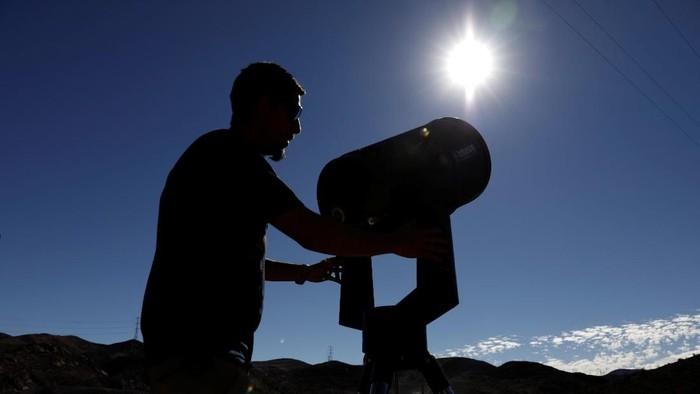 Ilustrasi Gerhana Matahari Cincin. Foto: Reuters