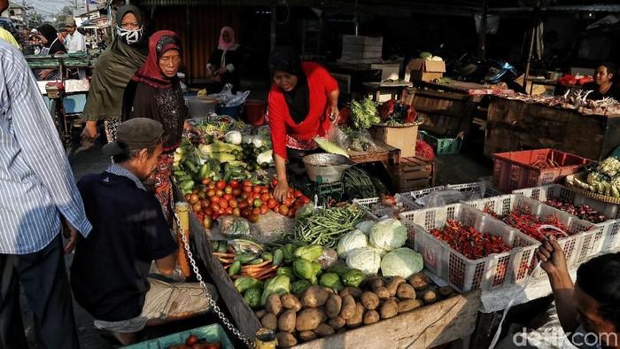 Badan Pusat Statistik (BPS) mencatat adanya inflasi 0,55% di Juni 2019. Penyumbang inflasi terbesar adalah naiknya harga makanan di selama Lebaran.