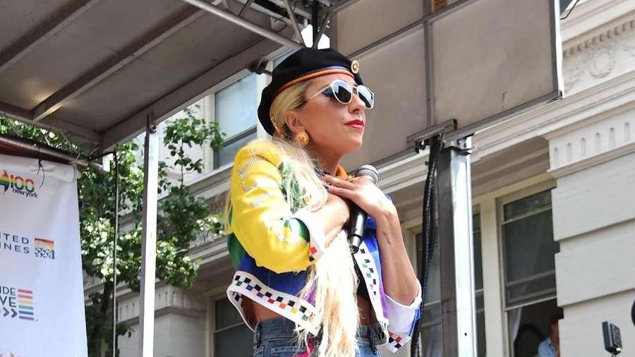 Lady Gaga, Zaira Wasim, EXO hingga Ayu Ting Ting