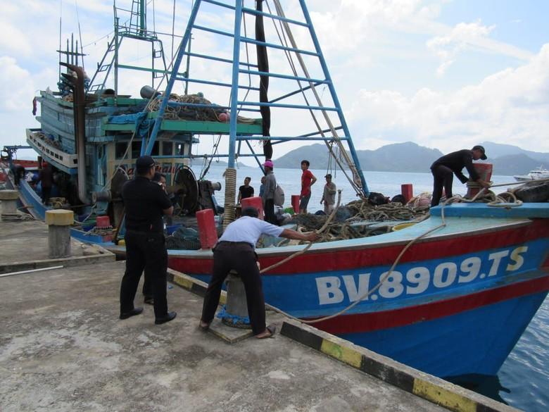 Ditangkap Bakamla, Kapal Ilegal Vietnam Berisi 500 Kg Ikan Diserahkan ke KKP