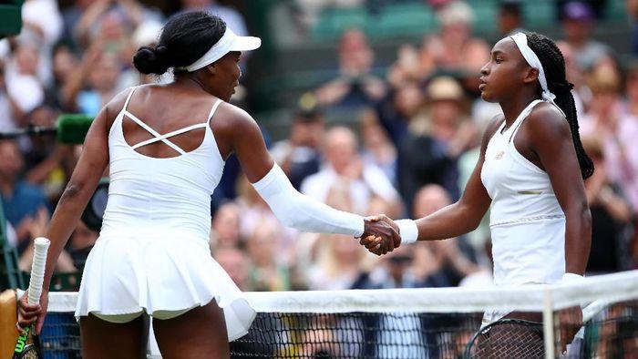 Venus Williams dikalahkan petenis 15 tahun, Cori Gauff, di babak pertama Wimbledon 2019 (Foto: Clive Brunskill/Getty Images)