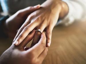 Viral Wanita Potong Cincin Rp 671 Juta, Kesempitan Setelah Berat Badan Naik