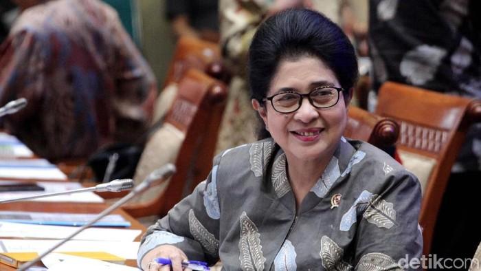 Menteri Kesehatan Nila F Moeloek sindir para perokok yang nunggak iuran BPJS Kesehatan (Foto: Lamhot Aritonang)