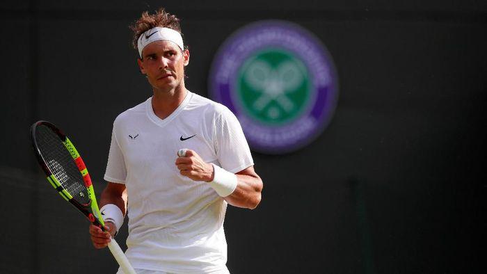 Rafael Nadal menang tiga set langsung di babak pertama Wimbledon 2019 (Foto: Andrew Couldridge/Reuters)