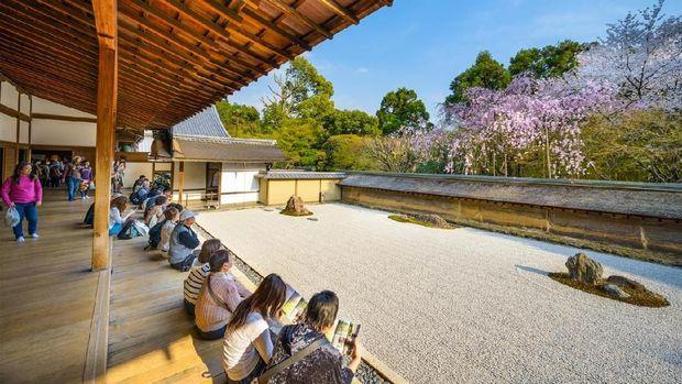 8 Alasan ke Kyoto, Kota Tanpa Papan Iklan di Jepang