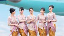 Potret Cantik Pramugari Garuda Dalam Balutan Kebaya