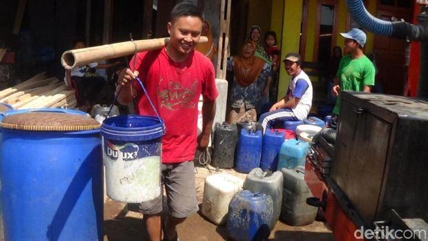 Warga Pemalang Mulai Kesulitan Air Bersih