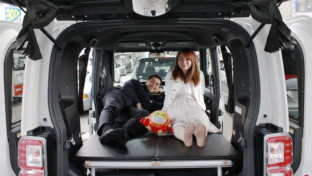 Murah Jadi Alasan Orang Jepang Sewa Mobil untuk Tidur