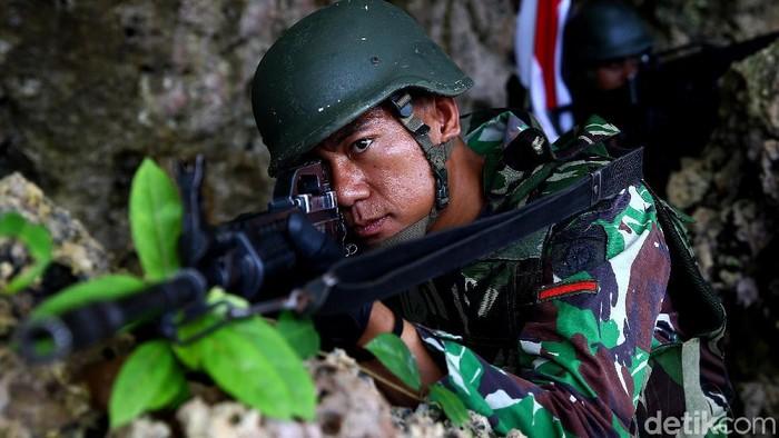 Sebanyak 400 anggota TNI AD kesatuan Batalyon Infanteri 721/Makkasau diberangkatkan untuk bertugas mengamankan wilayah perbatasan RI-Papua Nugini.