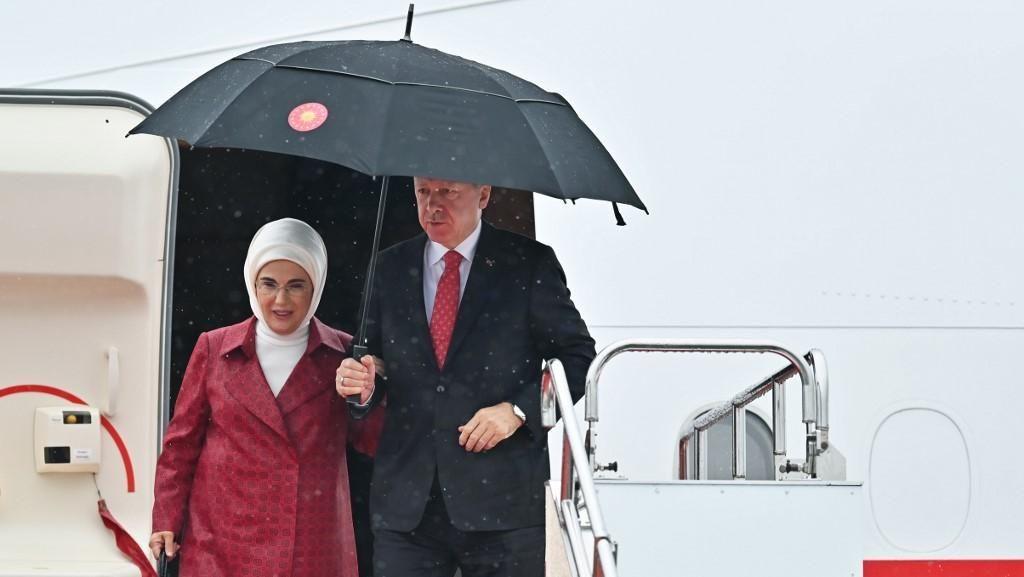 Ibu Negara Turki Dikecam Pakai Tas Ratusan Juta Saat Krisis Ekonomi