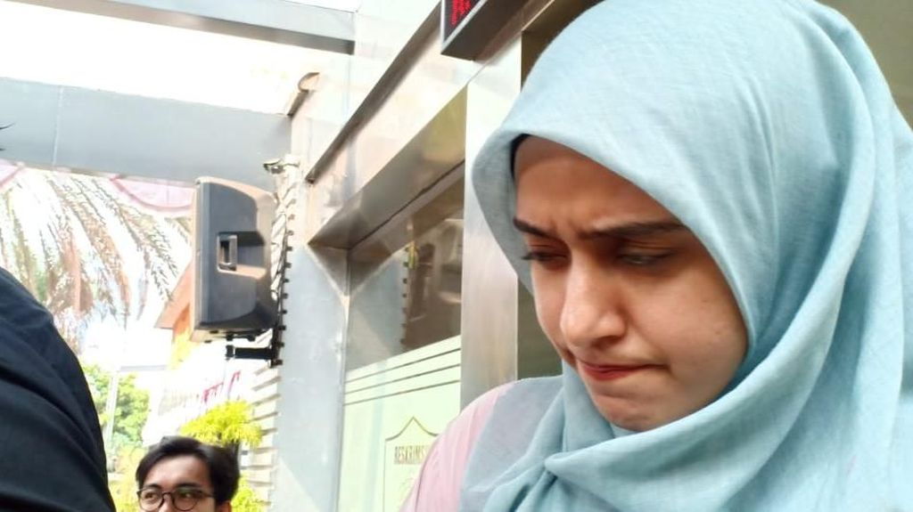 Fairuz A Rafiq Bungkam Usai Klarifikasi soal Ikan Asin ke Polisi