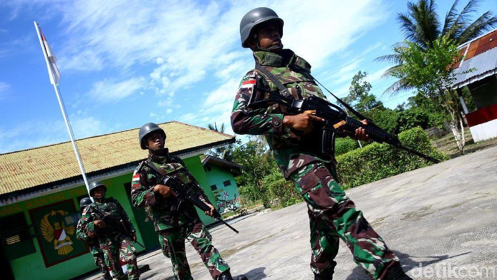 Anggota DPR Minta Jokowi Naikkan Gaji TNI