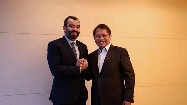 Menteri Kominfo Rudiantara bersama Menteri Komunikasi dan TIK Kerajaan Arab Saudi, Abdullah Alswaha usai pertemuan bilateral dalam Forum Menteri Perdagangan dan Ekonomi Digital Negara G20 di Tsukuba, Jepang, Jumat (7/6/2019)
