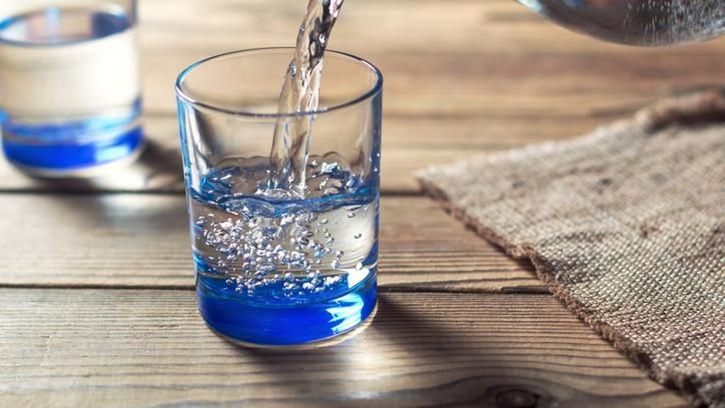 Ini Jumlah Air Putih yang Harus Diminum Untuk Bantu Turunkan Berat Badan
