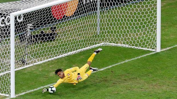 Pedro Gallese jadi bintang kemenangan Peru di laga semifinal.