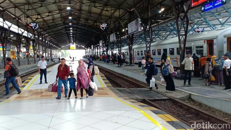 Suasana Stasiun Purwokerto (Rinto Heksantoro/detikcom)