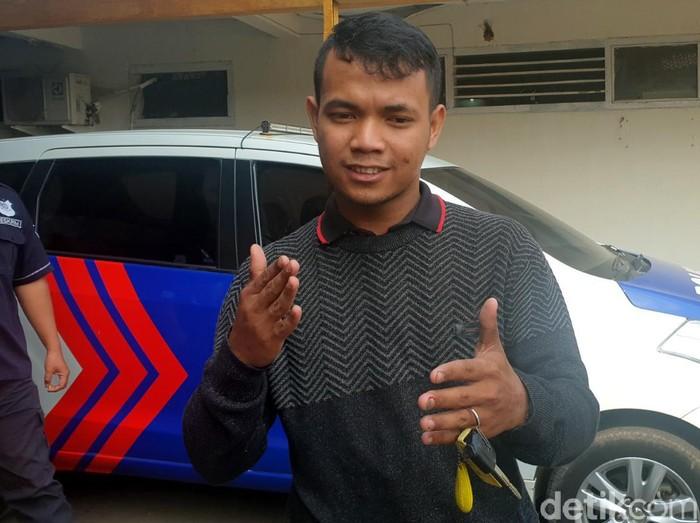 M Rafi, kurir yang berhasil jegal pelaku pencurian uang Rp 1,2 miliar milik bos ikan di Sukabumi. (Foto: Syahdan Alamsyah/detikcom)