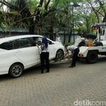 Salah Posisi saat Diderek, Transmisi Mobil Matik Bisa Rusak