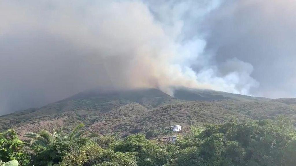 Gunung Berapi di Pulau Stromboli Erupsi, Seorang Turis Dikabarkan Tewas
